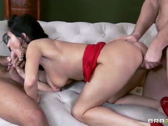 Two brutal guys Manuel Ferrara and Keiran Lee prefer to penetrate a whore at the same time using their huge instruments. Petite Ava Addams gets the tw