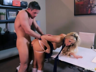 Fucking on the floor and bed with cheating wife Tasha Reign