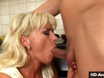 Hot blonde turns kitchen counter into a mantle for sex