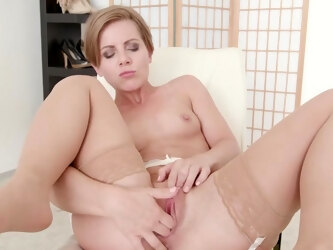 Naughty mature Sasha Zima enjoys fingering her sweet fuck hole