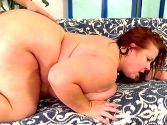 Mature Plumper Experience with Lady Lynn