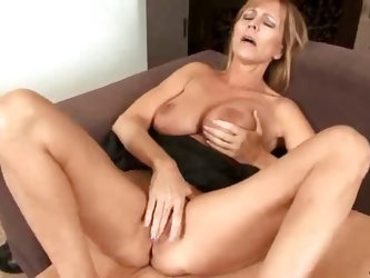Anilos Nicole Moore sucking huge cock and gets a nice