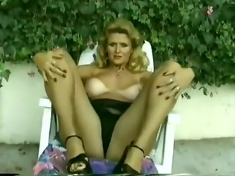 Busty Milf Gets Fucked In Vintage Classical Scene