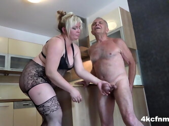 BBW Ballbusting Poor Old Gunther