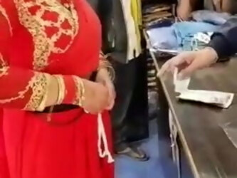 INDIAN WIFE SHOWS HER  PUSSY TO THE SHOPKEEPER