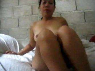 41 OLD FILIPINA mature GLENDA GUMAGAY FROM CEBU SHOWING HER BIG MILK SACKS ON WEB CAMERA FOR ME