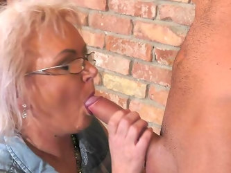 Mature rides cock like a goddess and wants to swallow