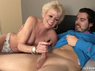 Horny guy with a long cock enjoys while mature Nikki Sixxx gives head