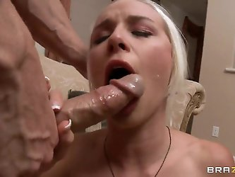 Johnny Si is an unconventional dude, when it comes to discussing his favorite positions to fuck females. That is why her puts Stevie Shae on her knees