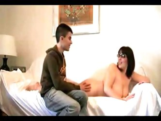 Saggy Tits MILF and Young Boy- negrfloripa