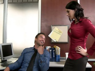 Rocco mistakes the sexy woman in his office for an applicant, when in fact she's his new district manager. After learning her name is Juelz, he t