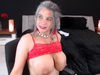 Busty granny sexy in hot lingerie
