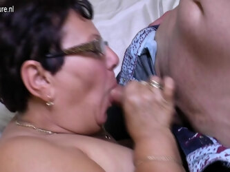 This Naughty Big Mature Lady Loves Her Toy Boy - MatureNL