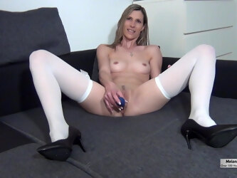 SPERM ALARM ON HER CUTE FACE - SKINNY FIT MILF GETS MASSIVE FACIAL