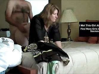 Mature Cheating Wife Fucks With Her Neighbour