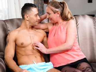 LustyGrandmas Thirsty Granny Seduces Her New Jock Neighbor