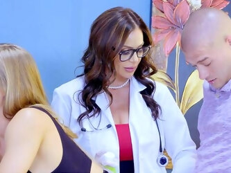 Medical office threesome with a stud, Kendra Lust and Nicole Aniston
