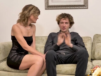 Hot American Milf Takes Her Toyboy's Dick In Her Ass - MatureNL