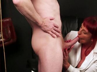 Mature gets her hands on a fresh dick for the ultimate tryout