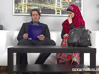 Lawyer settles for fine muslim pussy