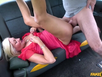 Pornstar Mature British Ellen fucked in all of her tight holes