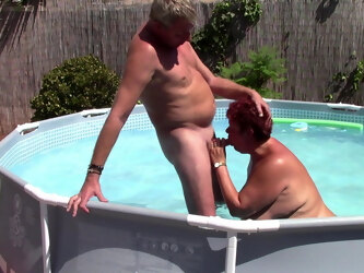 Mature Fucks the Poolboy and Gets a Creampie
