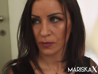 MARISKAX Natasha Ink has a threesome with her clients