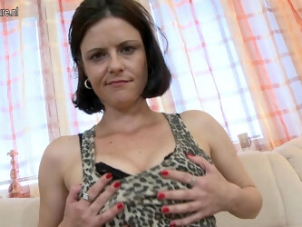 Naughty Housewife Fucking On The Couch - MatureNL