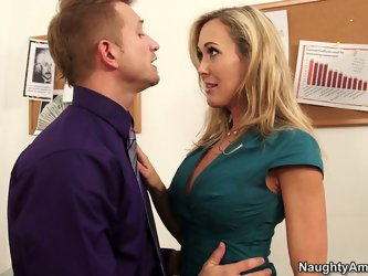 Her manager is such a caring man. He promises to solve all her problems and she also wants to fuck him in the office. She gives him a blowjob as a nic