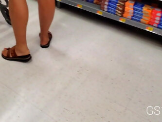 Candid mix long legs preggo and mature fetish