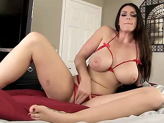 Alison Tyler òÀÓ I am all Mom needs