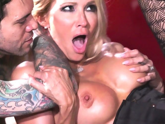 Pornstar Jessica Drake fucked by two guys at the same time