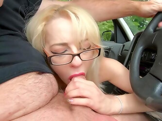 A marvelous scene of back seat porn for two amateurs
