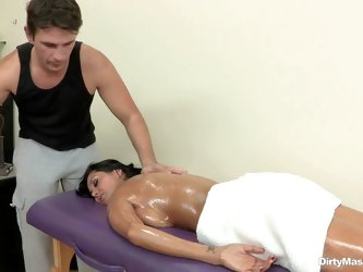 Oiled up milf Ava Addams has nothing to hide and enjoys massage completely naked. That's a nice way to relieve stress especially when masseur Mma