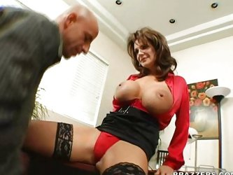 Mature Deauxma loves men