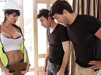 Ramon and James are watching the big game when the power goes out! They freak out and call the power company asap, but when sexy technician Eva arrive