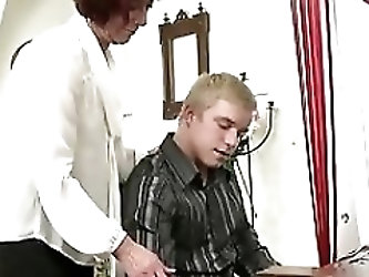 Mature mom fucks young piano player boy