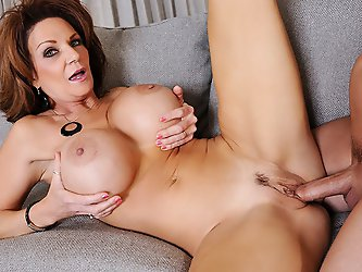 Deauxma catches her son's friend sticking his dick in a sandwich.  Apparently, he's upset at his boss for making him go get his lunch.  Bein