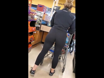 Candid fit MILF with a big ass in tight black spandex