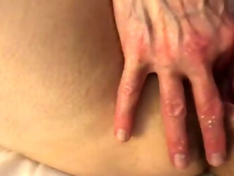 BiBear helps Beauty with a vibrator in her hairy pussy