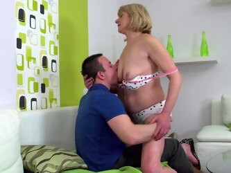 Naughty Older Lady Doing Her Toy Boy - MatureNL