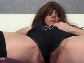 Hairy Mature Slut And Her Huge Toy - MatureNL