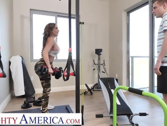 Naughty America - Richelle Ryan works up a sweat fucking