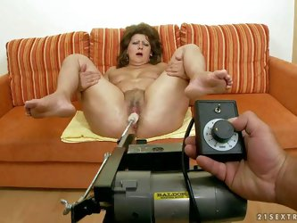 Fat mature brunette hooker with natural tits gets her cunt pounded hard by turned on dude in point of view and enjoys getting penetrates with kinky lo