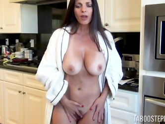 Mature mommy Mindi Mink loves teasing her neighbor with striptease