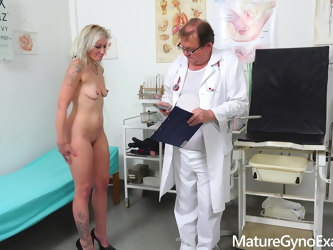 Horny MILF's rectal specum exam and fucking with medic