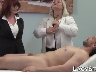 GILF doctor Lacey Starr in doggystyle threesome sex with patient