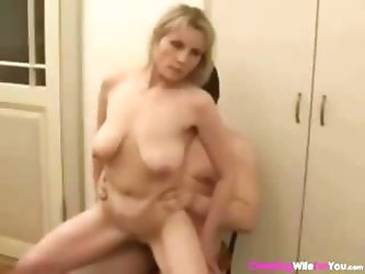 Imperfect Russian sexy mama with a corrupt gine gets some in the kitchen