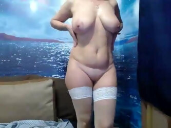 Sensual Russian Mom Webcamshow