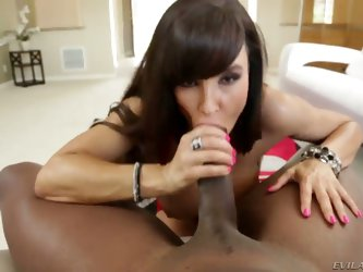 Lexington Steele is a fucking legend and so is Lisa Ann. We get to see them in action together as Lisa gobbles on that enormous wang and as she impale